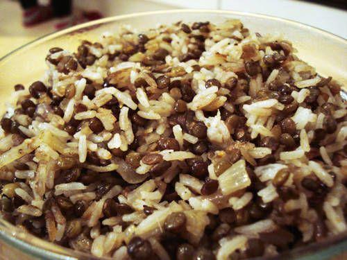 Arroz con lentejas - Recetas  http://www.estampas.com/cocina-y-sabor/recetas/111004/arroz-con-lentejas