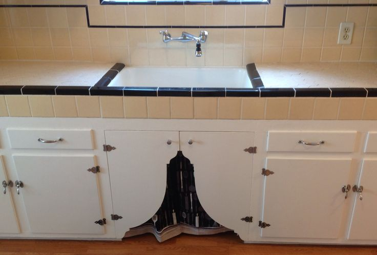 136 best images about cabinet hardware on pinterest for 1930 style kitchen cabinets