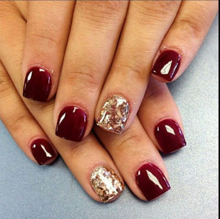 Short Nails #Burgundy #Gold Glitter