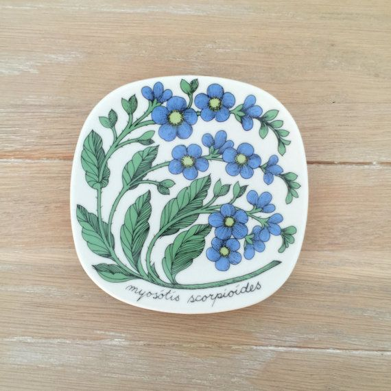 Arabia of Finland Botanica plate, myosotis scorpiodes designed by Esteri Tomula