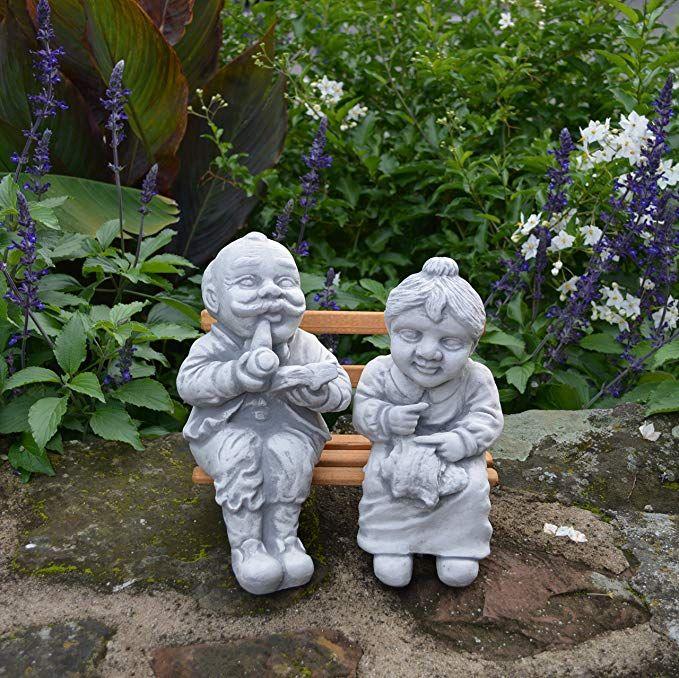 Lustige Gartenfigur Opa und Oma auf Bank aus Steinguss