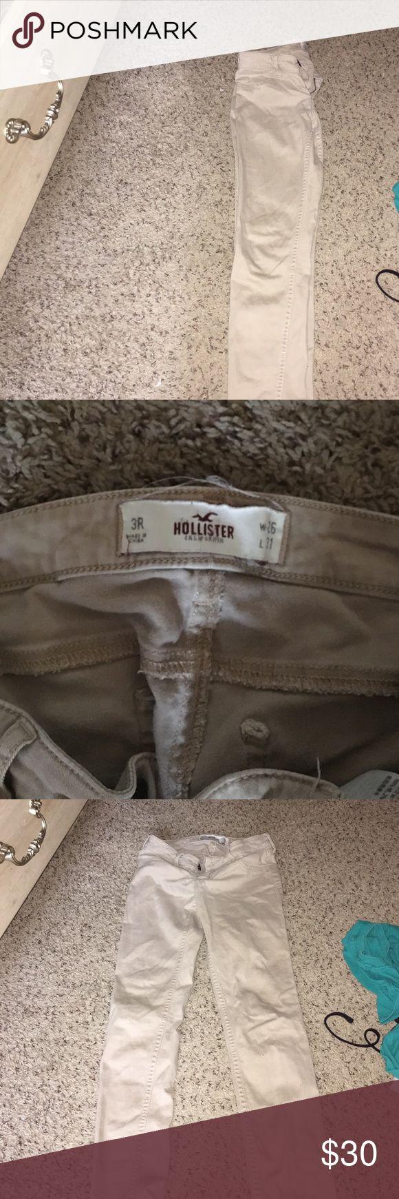 Khaki pants /jeans Skinny khaki pants ,  nice and plain  great fit for juniors Hollister Jeans Skinny