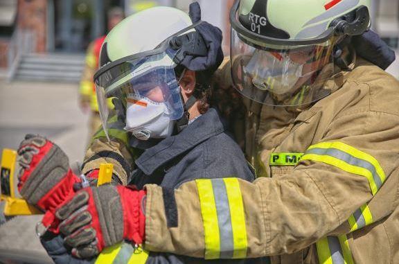 Feuerwehr Ratingen - Girls Day 2017 - Mittendrin, statt nur dabei!
