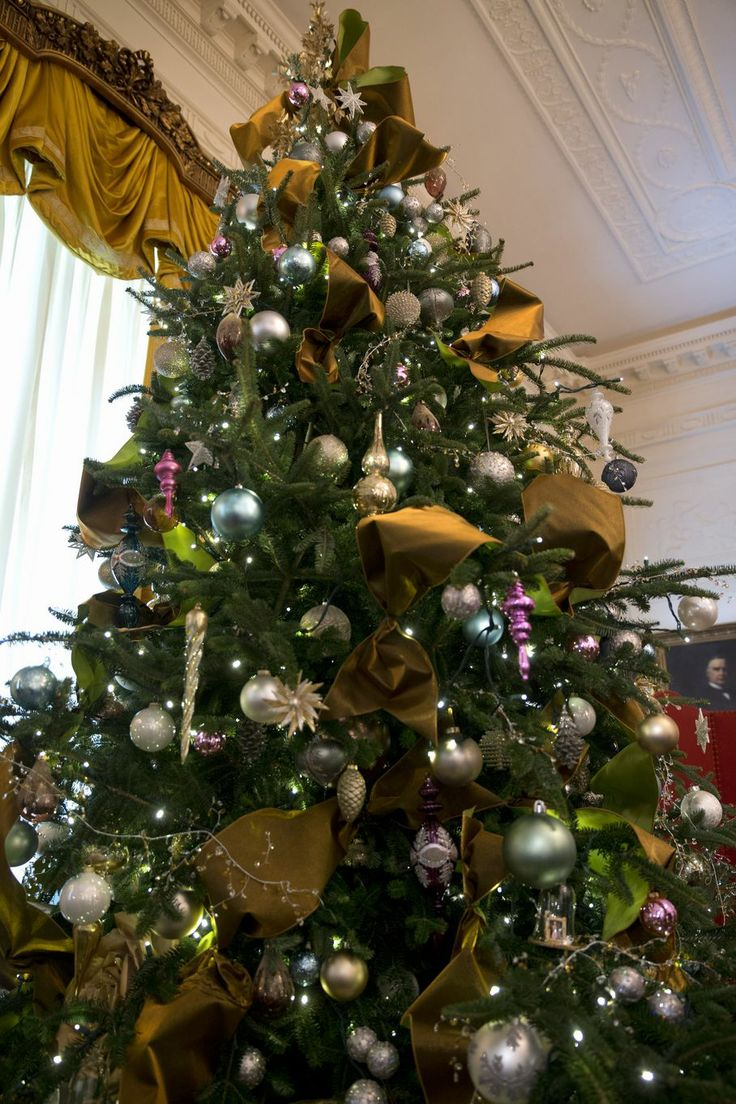 White house christmas ornaments by year - First Lady Michelle Obama Unveils White House Christmas Decor A Christmas Tree Is