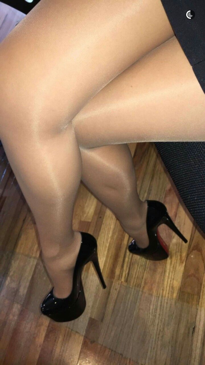 Men and women in shiny pantyhose