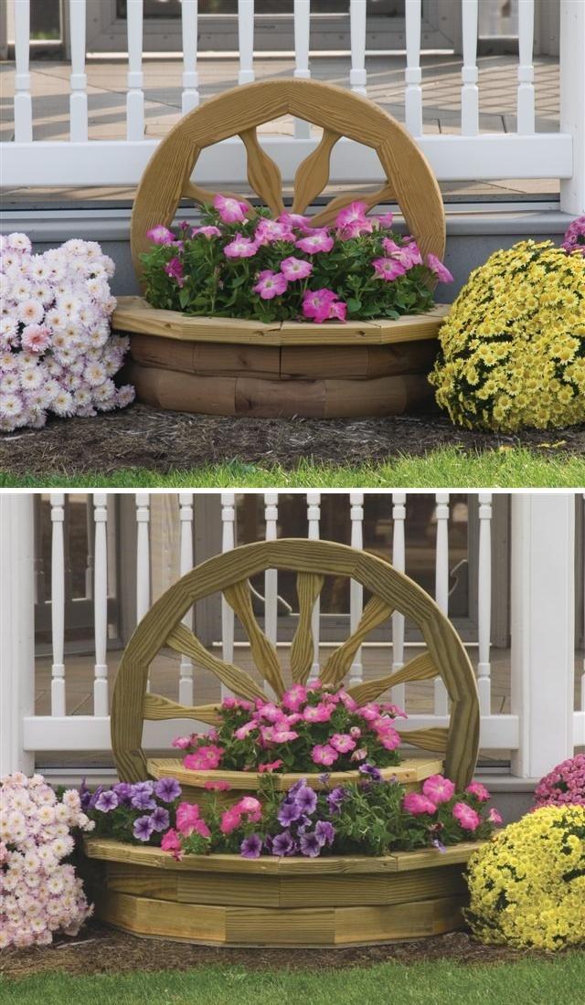 houten bloembak met wagenwiel