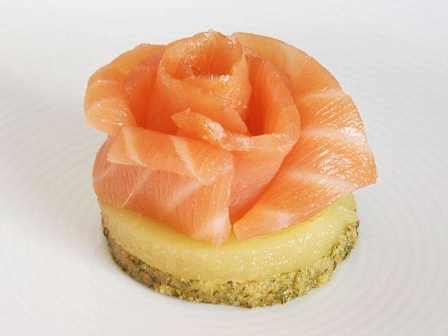 Salm n ahumado con crema de manzana en galleta de eneldo - Aperitivos de salmon ahumado ...