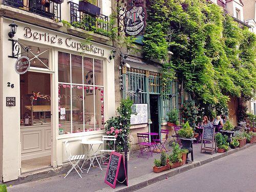 Parisan Street scene | Flickr - Photo Sharing!