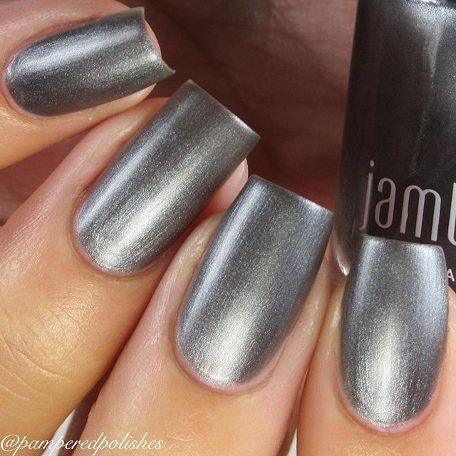 Next up from @jamberry is called Gun Metal  Shown here is two coats of Gun Metal and a Matte topcoat, also by @jamberry This one is delicious, but you do have to be careful about brush strokes! Check out the lovely lacquers @jamberry has! I'm yet to try one that I don't like!! #gunmetaljn