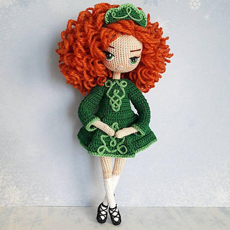 Приветики, у нас зимушка-зима набирает силу, сегодня -26 ❄, бррр... как холодно. А у меня рыжая кудряшка готова, танцует ирландские танцы. Связана на заказ, в подарок для девушки, которая любит Ирландию. Не продается. #zontik_lena #вязанаякукла