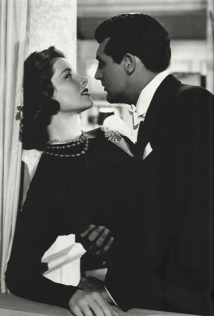 Katharine Hepburn and Cary Grant in Holiday