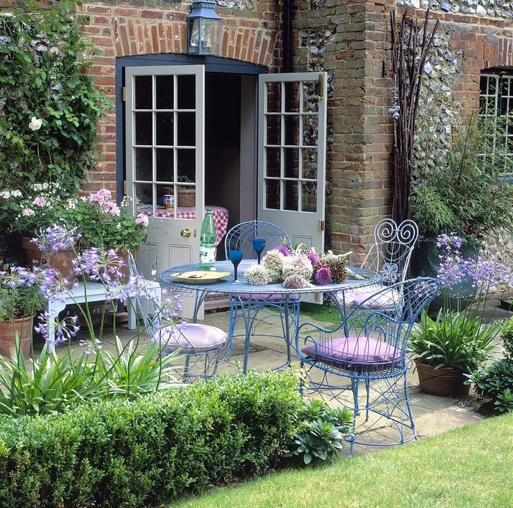 cottage style outdoor patio furniture 903 best Exteriors: Modern Country images on Pinterest