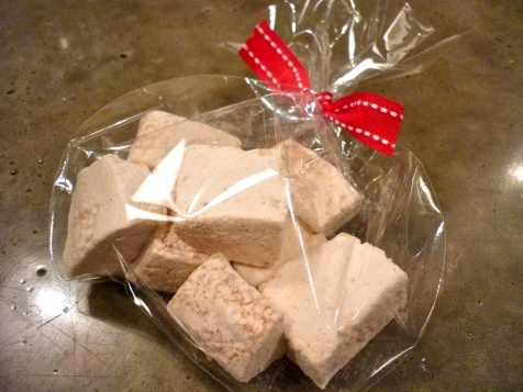 Wildflower Honey Vanilla Bean marshmallows... bet this would be ...