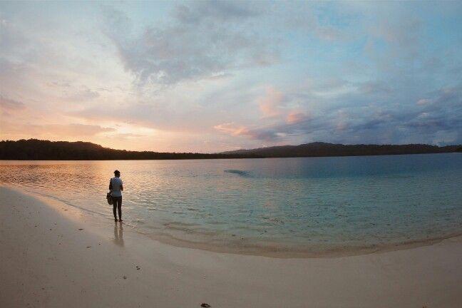 Sunrise di pulau peucang