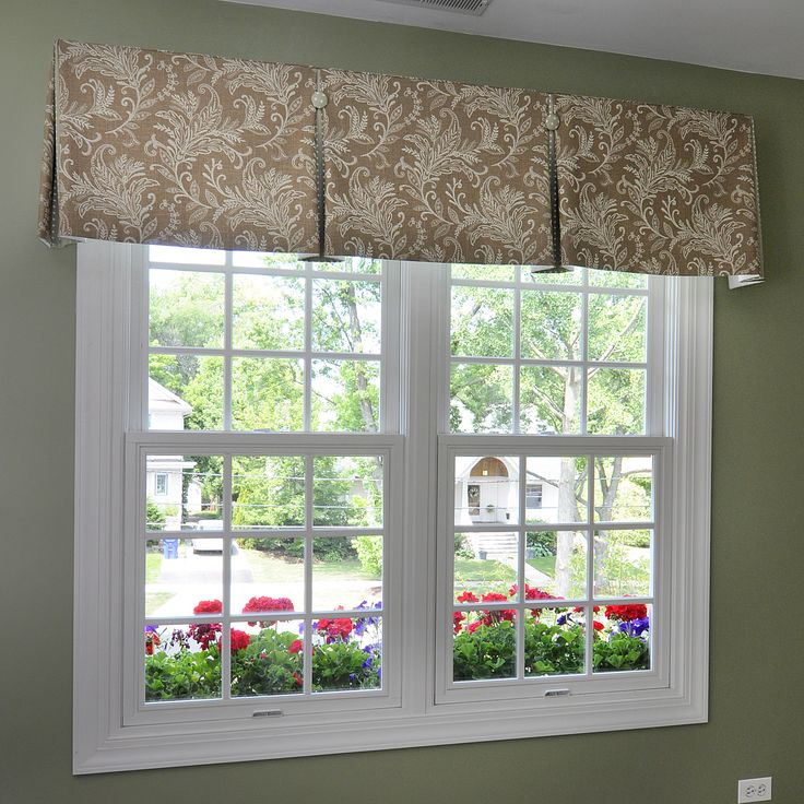 inverted box-pleat valance with contrast pleats and buttons