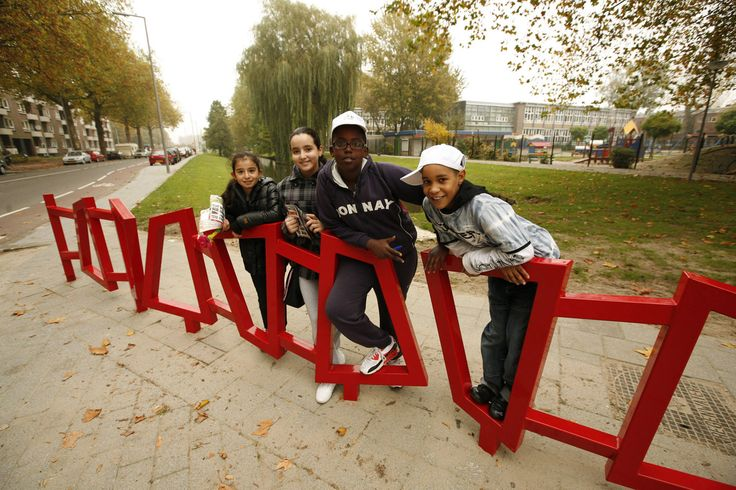 railing to attend children on unsafe situations for Rotterdam, the Netherlands. Design by ipv Delft