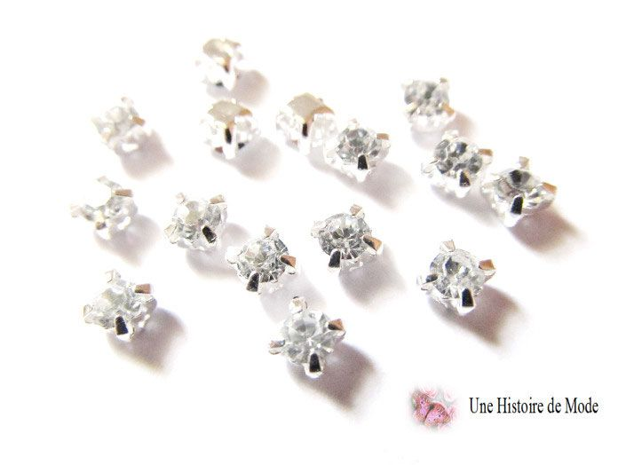 Lot de 15 petits strass sertis couleur cristal blanc 4 mm / strass à coudre