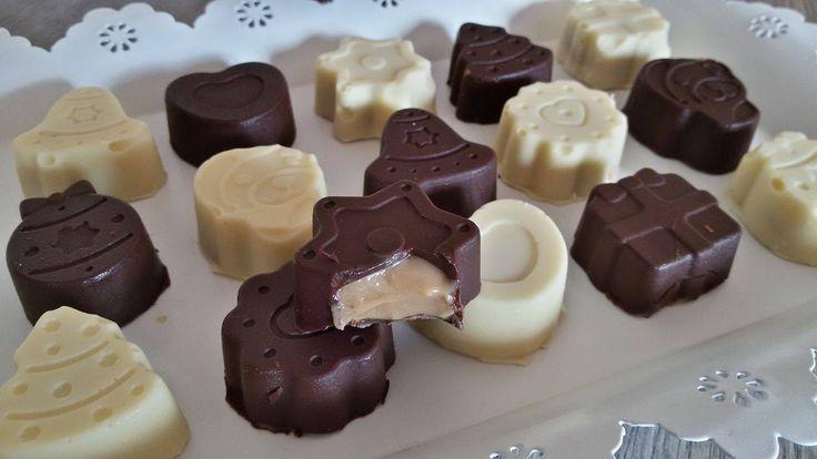 """Una sperimentatrice come me non poteva evitare anche la produzione di cioccolatini ripieni home made.Mi sono detta """"male che va te li mangi tutti, brutti come sono e passi avanti""""...invece con mia grande sorpresa,sono belli e pure buoni mannaggia! Ho preso la ricetta da una rivista che si chiama """"A TAVOLA"""" e che raccoglie le ricette delle migliori blogger,la parte dedicata alla cioccolata era della blogger Assunta Pecorelli del sito """"la cuoca dentro"""",fate un giro sul suo blog e non ve ne…"""
