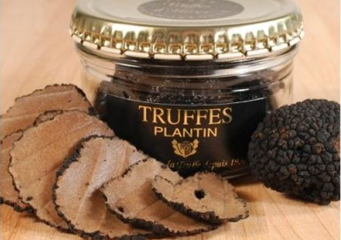 French Whole Winter Black Truffles are harvested in the wintertime in the forests of the Perigord and Lot regions of France. Truffle hunters in France use pigs and mixed-breed dogs to sniff out truffles. Dogs are preferred to pigs because pigs love to eat truffles. They are packaged whole after being carefully brushed and cleaned. Shave these delicious delicasies over pastas, aromatize chicken and meat dishes, winter soup or even scrambled eggs.