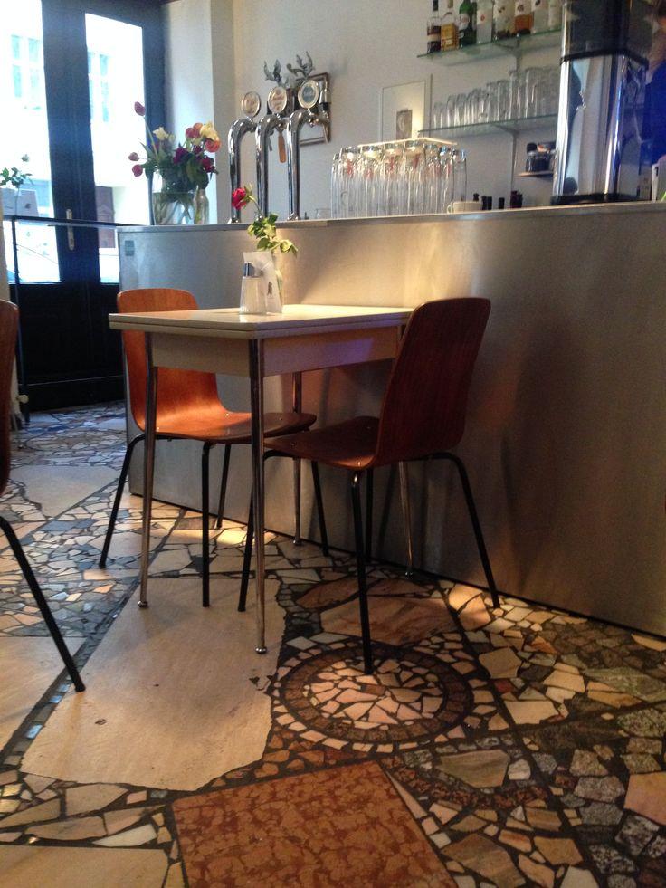Erna B. in Wien, Wienetter Geheimtipp im 4. Bezirk - vegane und vegetarische Mehlspeisen und guter Café