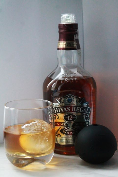 Upominek w postaci kolejnej butelki Chivas Regal i formy do lodu #ChivasRegalPolska https://www.facebook.com/photo.php?fbid=687755131284821&set=o.145945315936&type=3&src=https%3A%2F%2Fscontent-b-fra.xx.fbcdn.net%2Fhphotos-frc3%2Ft31.0-8%2F1655646_687755131284821_778254711_o.jpg&smallsrc=https%3A%2F%2Fscontent-b-fra.xx.fbcdn.net%2Fhphotos-prn2%2Ft1.0-9%2F1508007_687755131284821_778254711_n.jpg&size=1365%2C2048