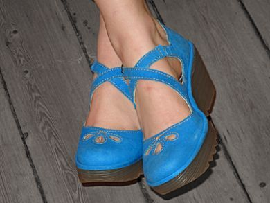 Spotted these on a FL board...love the blue...love the modified Mary Jane style!  FLY LONDON- we took this picture in our store- and the spied it on someone's cute shoes pinterest board- exiciting or what?! Fly yossa pretty in blue