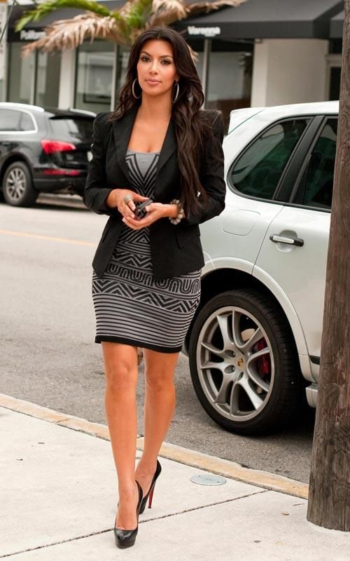 Black blazer prinyed dress so nice!