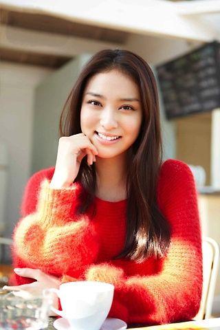 Emi Takei, she's beautiful!