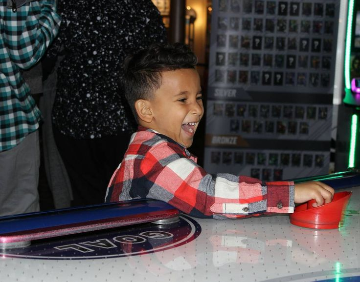 He was over the moon Can you tell he was ecstatic?!  #mynephew #tooexcited #dave&busters #arcade #philly #airhockey