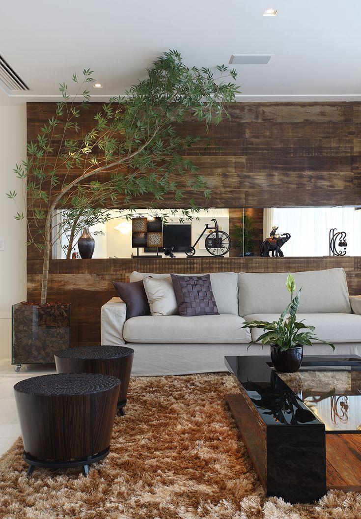 Decoração de: Detalhes; sofá bege; Casa de Valentina