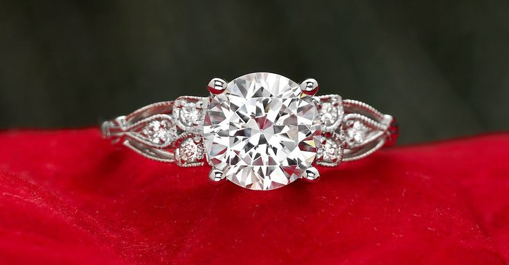 A vintage inspired beauty. Seriously a pretty ring, diamonds, jewelry, inspired, vines