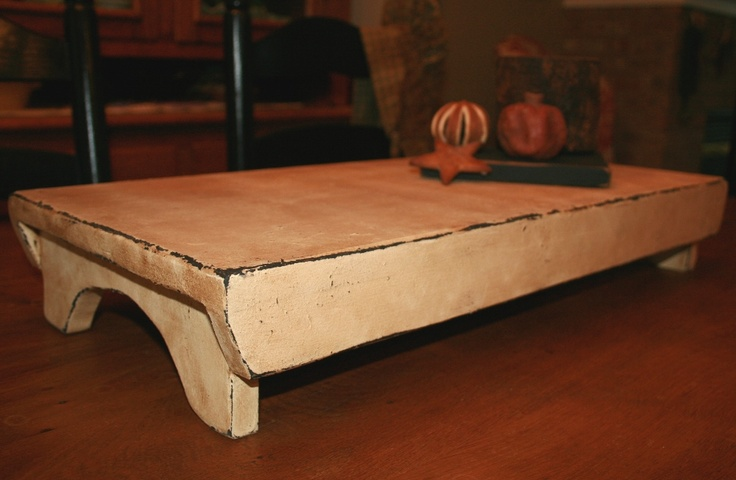 Long table riser.Farms House, Prim Crafts, Kitchens Tables, Country Decor, Primitives Decor, Tables Risers, Barns Doors, Farms Tables, Farm House Tables