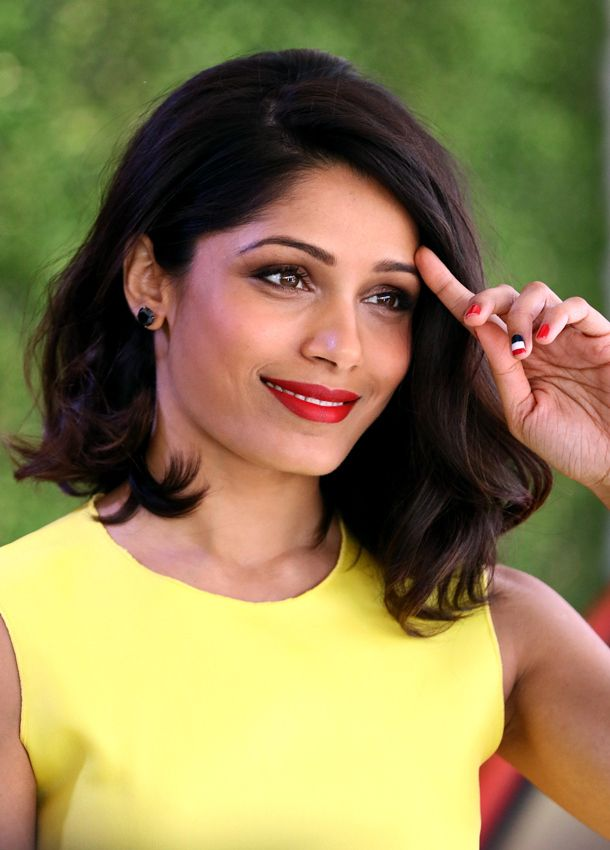 Look to Try Now: Big Eyelashes and Red Lips Freida Pinto