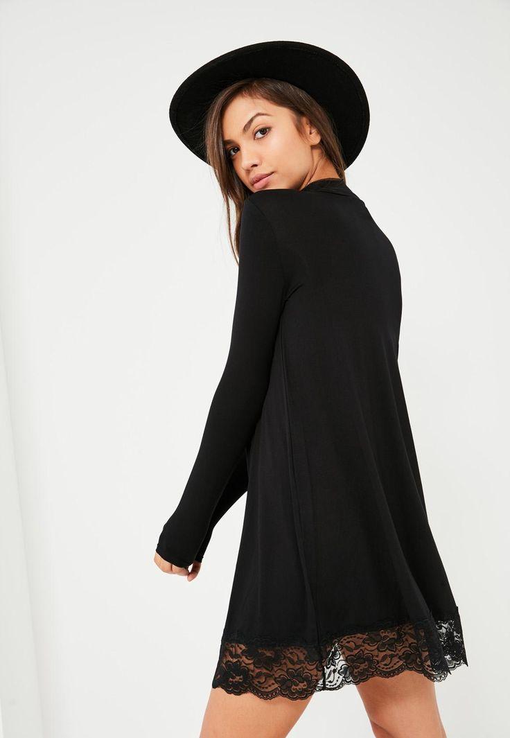 Czarna luźna sukienka z długim rękawem zakończona koronką - Missguided