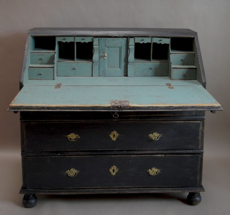"From Annie's board...love this.  ""Oh so delicious 18th century (1760s) Swedish bureau.   Graphite and maybe pale Provence or possibly Duck Egg or Louis Blue inside...see the black isn't BLACK but a dark graphite ( charcoal) colour   ;-)"""