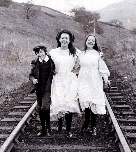 Gary Warren, Jenny Agutter, and Sally Thomsett - The railway Children - 1970. This movie always made me cry.