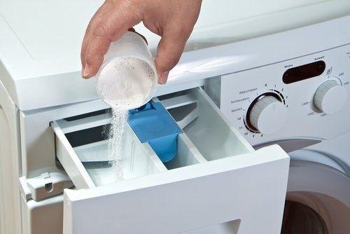 Lavare i cuscini ingialliti lavatrice