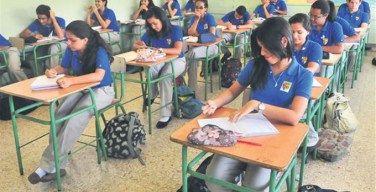 Educación: Colegios deberán decidir si suspenden docencia por las elecciones