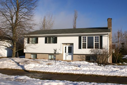Open House on 9 Hilton Drive (North Moncton) Saturday January 25th 2pm-4pm. See you there!!!