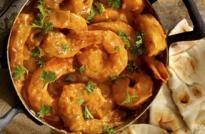 Curry indio de langostinos o malai chingri