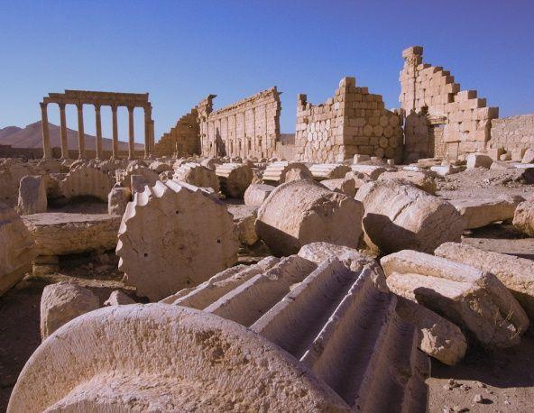 Однако обеспечить сохранность архитектурных памятников сирийское руководство не в состоянии