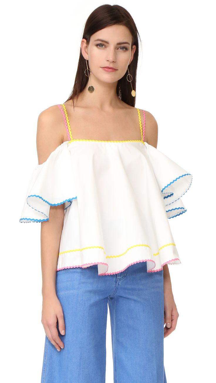 ¡Cómpralo ya!. Anna October Off The Shoulder Top - White. Rickrack trim brings cheerful color to this swingy Anna October blouse. Off shoulder neckline. Short flutter sleeves. Fabric: Poplin weave. 100% cotton. Wash cold or dry clean. Imported, Ukraine. Measurements Length: 15.75in / 40cm, from center back Measurements from size S. Available sizes: M , tophombrosdescubiertos, sinhombros, offshoulders, offtheshoulder, coldshoulder, off-the-shouldertop, schulterfreiestop…