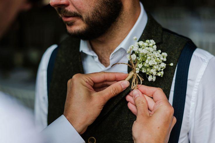 Gyp buttonhole. Images by Jonny Barratt Photography