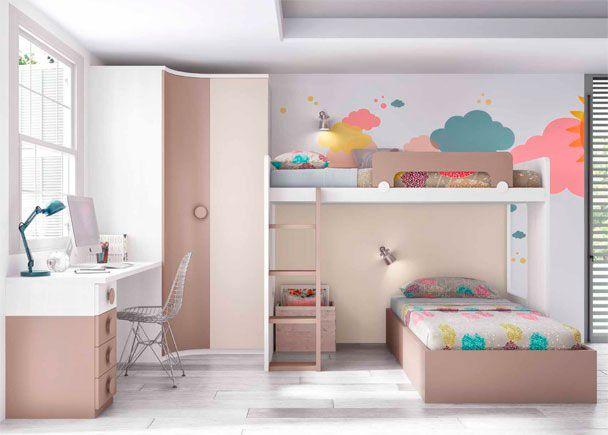 Dormitorio infantil con litera alta y cama bañera