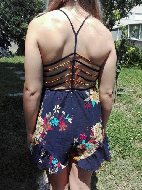For girls: Macacão Azul