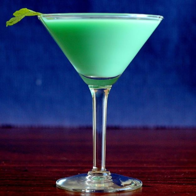 Grasshopper Cocktail | Refreshing Cocktail Recipes, Themed Specifically for the Irish Holiday by Homemade Recipes at http://homemaderecipes.com/11-cocktail-recipes-st-patricks-day/