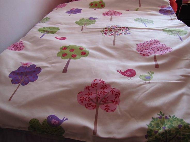 Cobertor con Arbolitos para Niñas. So Cute !!!!!