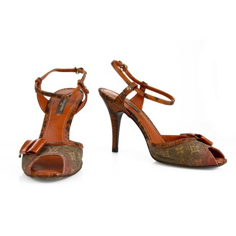 Burberry Leather and Snakeskin Laced Sandals Gr. EU 35 7D291Ie04
