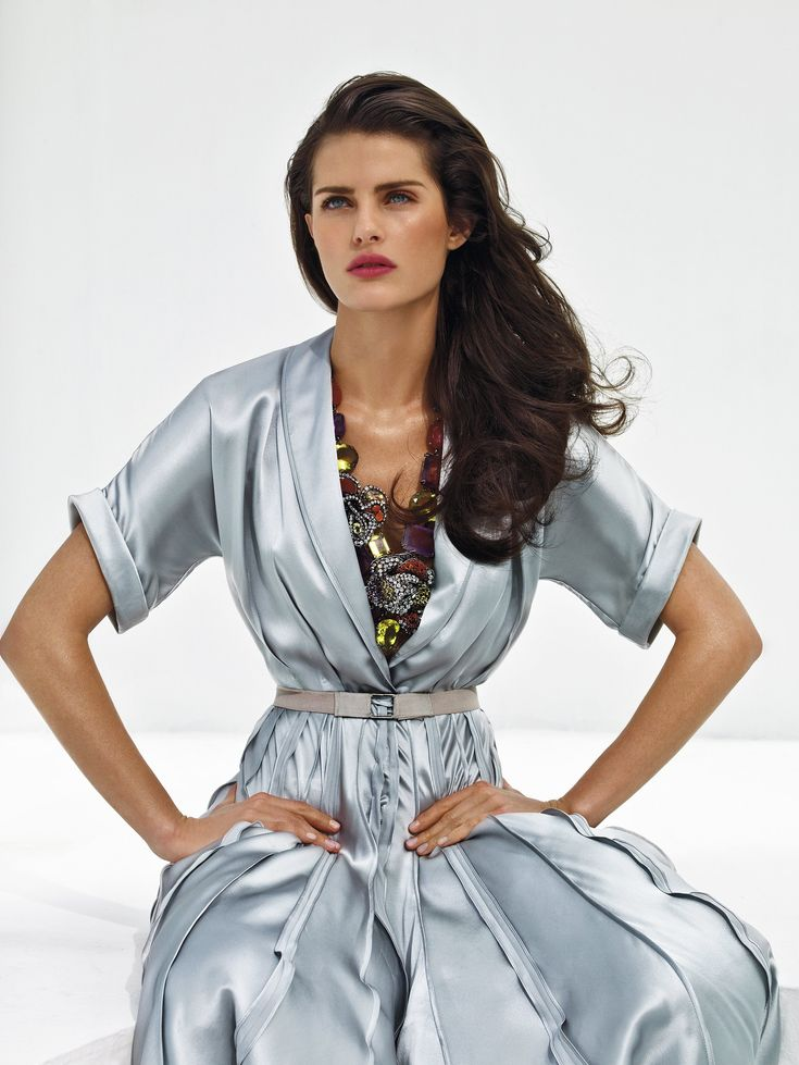Exclusive! Isabeli Fontana Is the New Face of L'Oréal Paris Photographed by Patrick Demarchelier, Vogue, May 2008