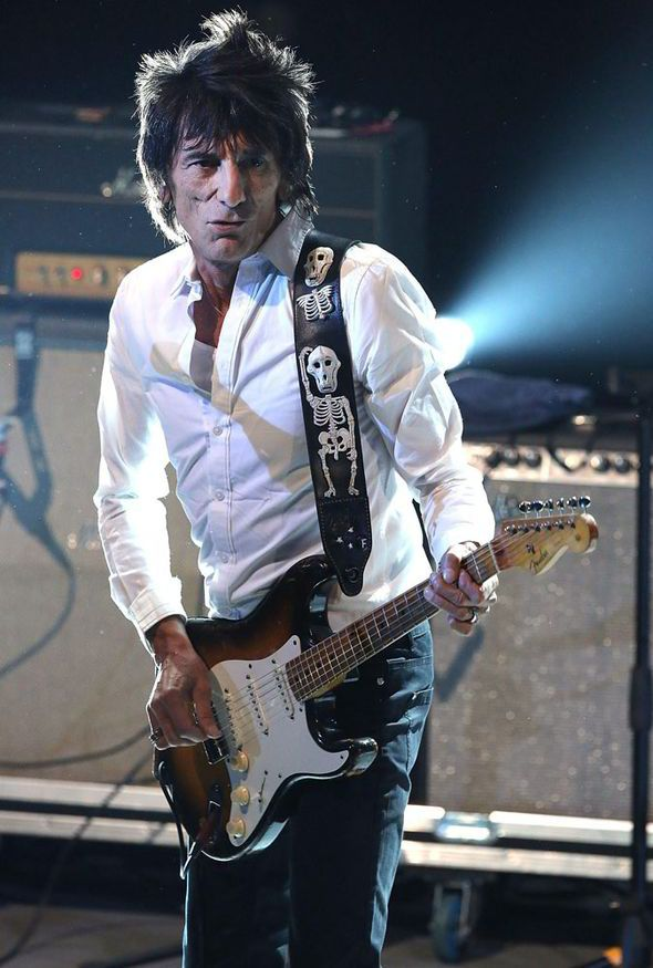 Ronnie Wood, Sir Mick Jagger, Rolling Stones, 14 on Fire tour, rock n roll, house of cards